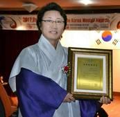 김포시 홍보대사 한한국 작가, 통일-화합 세계평화지도로 '국제평화대상' 수상
