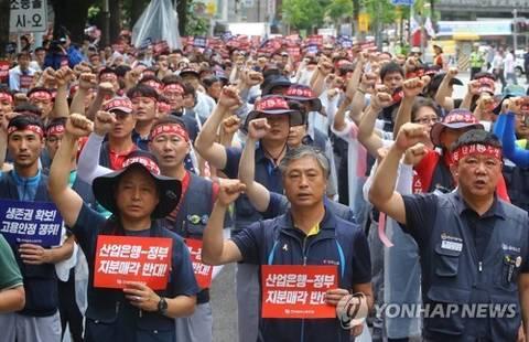 [뉴스텔링] 계속되는 한국GM 철수설…포스코대우의 '사우디 대우차'는?