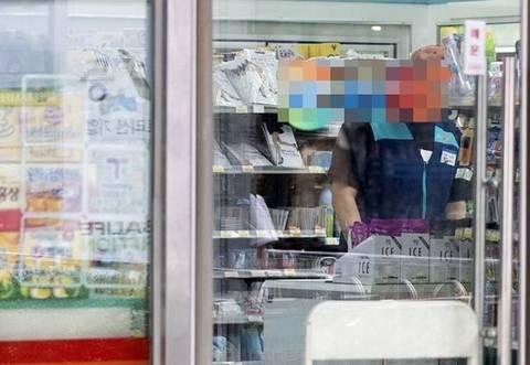 [기자수첩] 최저임금 인상 앞두고 영세업자의 눈물 나는 '하소연'