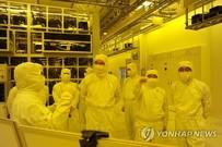 일본발 경제전쟁 개전… 삼성‧SK 대응전략 '탈일본'