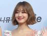 "JYP ""트와이스 지효, 입국 중 과도한 촬영으로 넘어져"""
