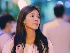 """김하늘, 가을에 어울리는 청순미 사진 공개...""""18어게인"""""""