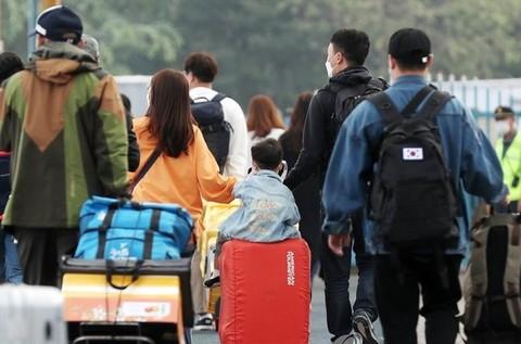 코로나19에도 '민족 대이동'…첫째도 둘째도 '방역'