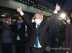 [뉴스텔링] 굳어진 이재명 대세론…'대장동 의혹'도 국민의힘으로 넘어가